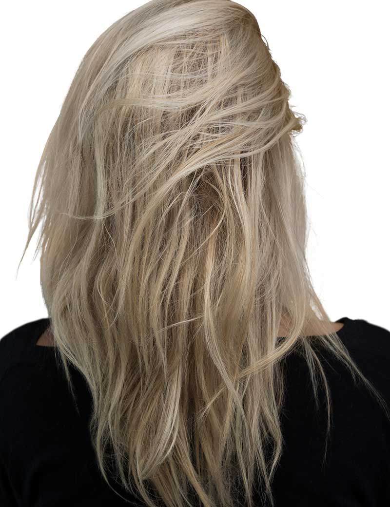 Textured blonde hair after using Dry Shampoo Powder
