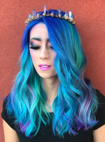 Mermaid hair and make up