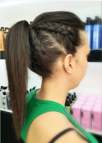 Braided ponytail hairstyle that is perfect for the gym.