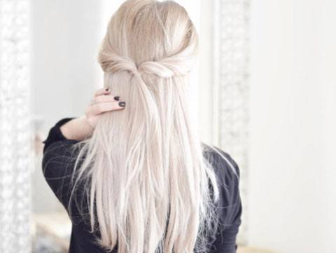 Look chic in under three minutes with these gorgeous lazy girl hairstyles.