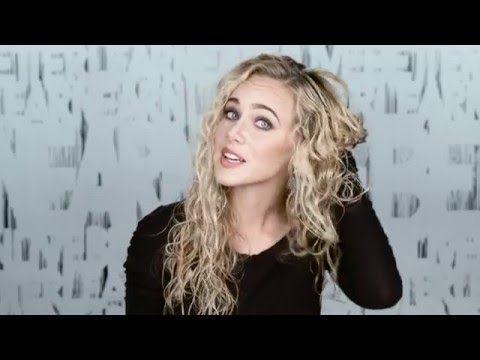 how to style second day curly hair curly hair tutorials how to style naturally curly hair 4701